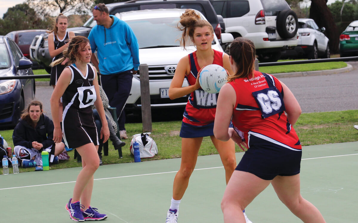 Netball players in SFNL league